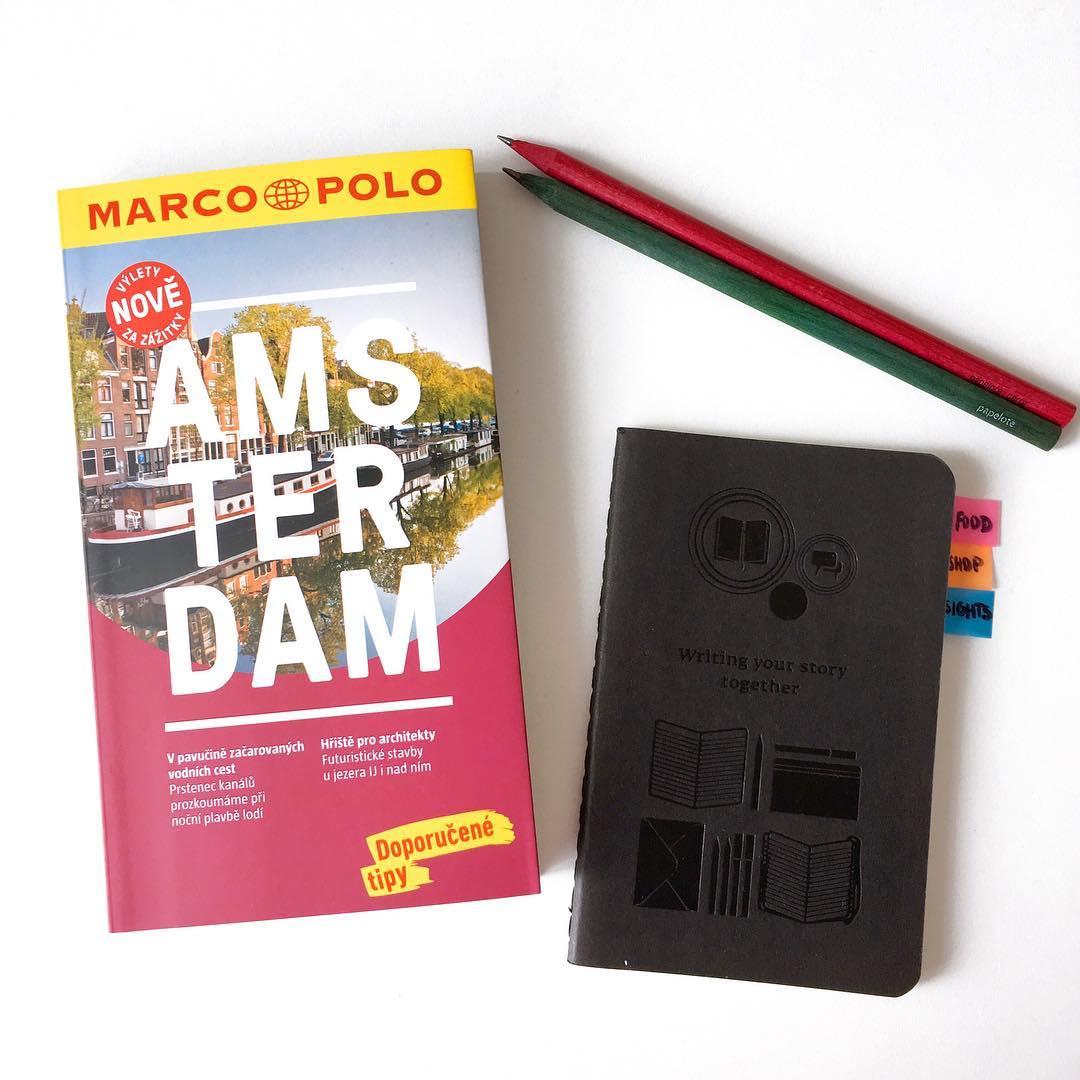 Průvodce po Amsterdamu a notýsek