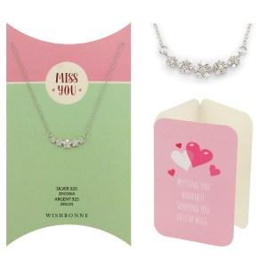 anyone 5 Flower Pendant Necklace