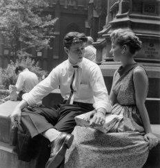 Lovers, Trinity Churchyard, New York City, about 1956_jpg