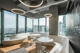 Mercedes Benz Office by PBM