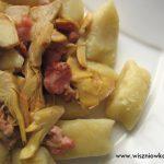 Gnocchi w sosie z boczku i karczochów