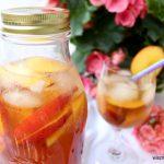 Mrożona herbata brzoskwiniowa – ten napój Cię obudzi!
