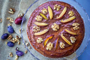 bezmleczny tort śliwkowo-marchewkowy