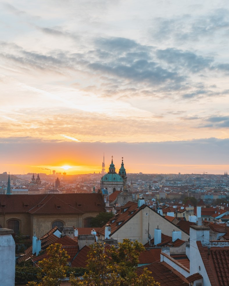 photo of prague at sunrise from the top of Ke Hradu road