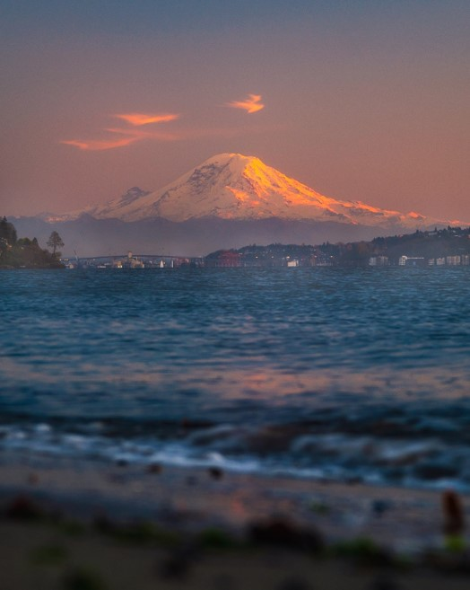 View of Mount Ranier from Discovery Park - witandfolly.co