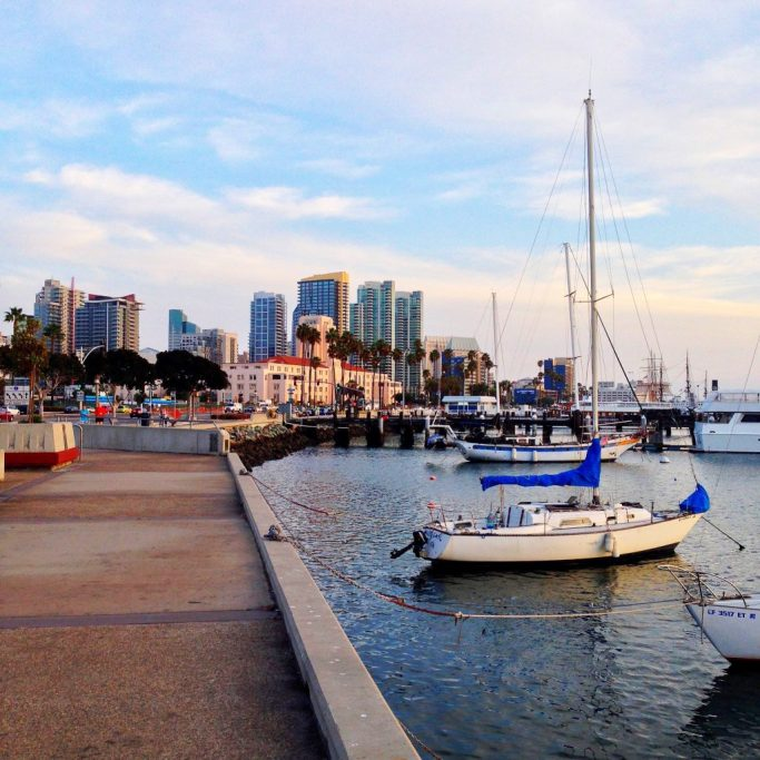 big-tiny-belly-1Xw7GWnivl4-unsplash