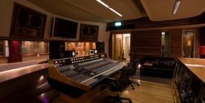 Finn Studio Control A-2
