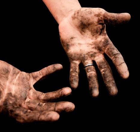 hands-2763536_960_720
