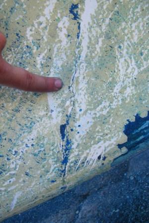 Cracked gelcoat