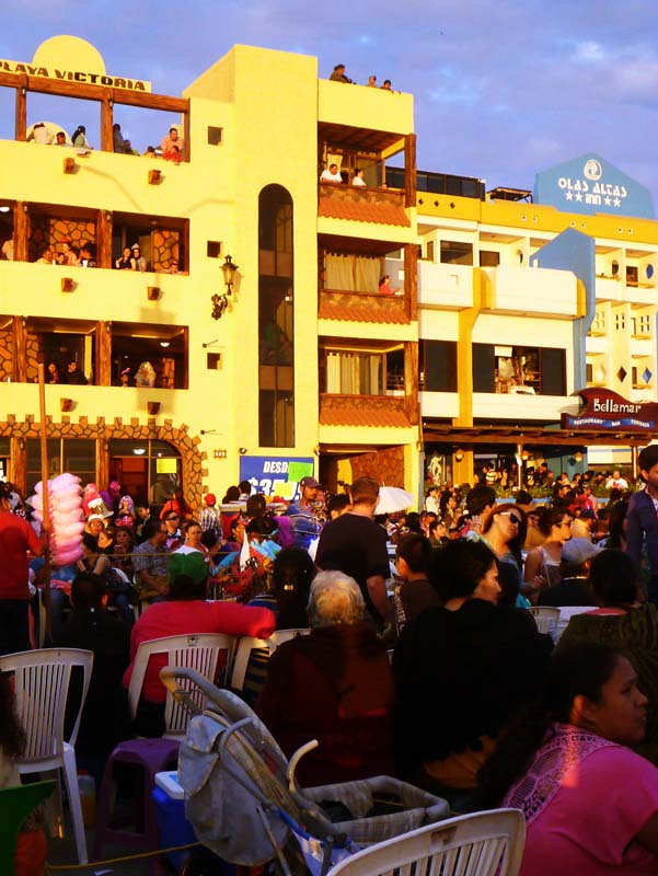 The streets lined with chairs and families for Carnaval 2013 Mazatlan