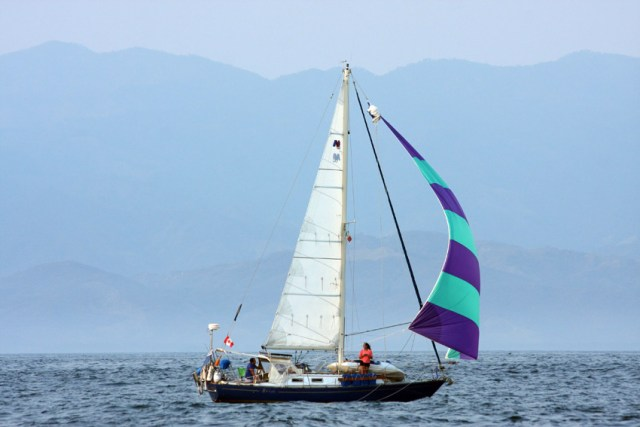 Nor'West 33 Under Sail from Zihuatanejo