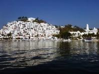 Las Hadas anchorage