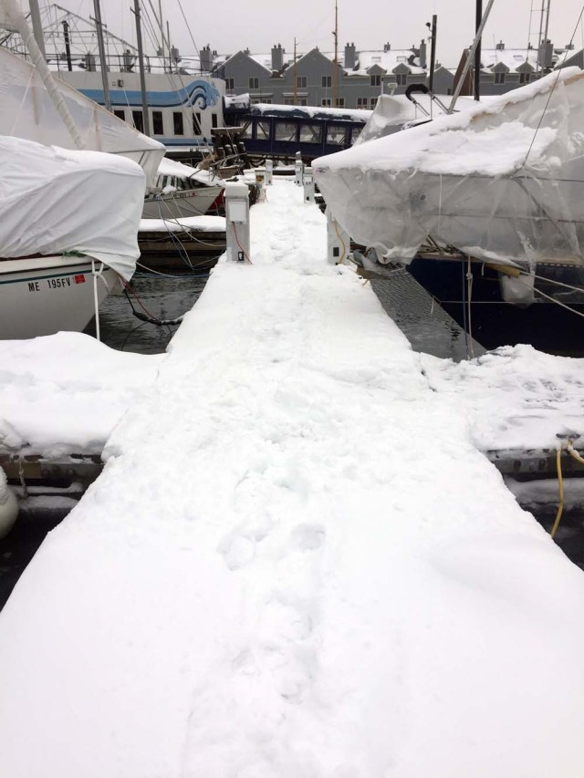 Snowy docks in Maine - liveaboard life
