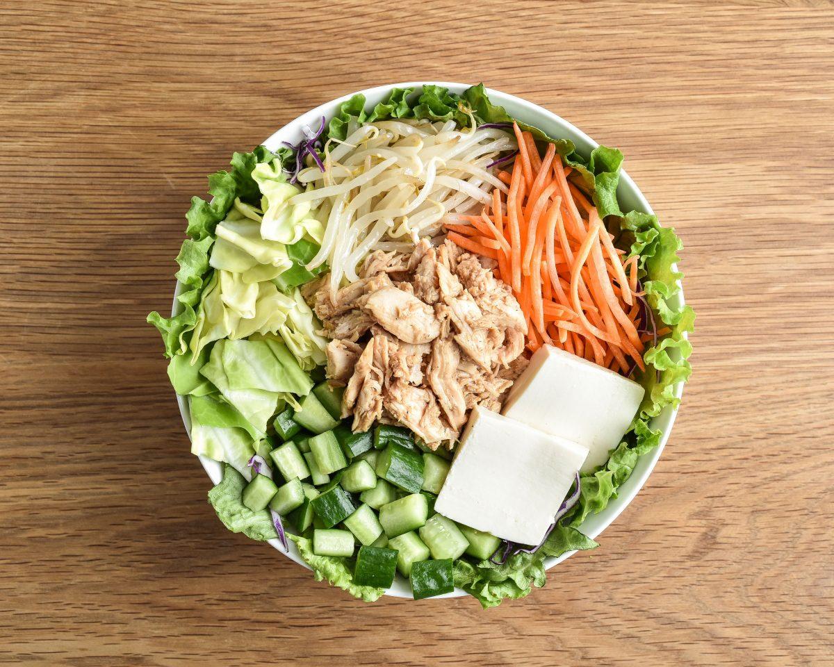 特製たれの棒棒鶏サラダ