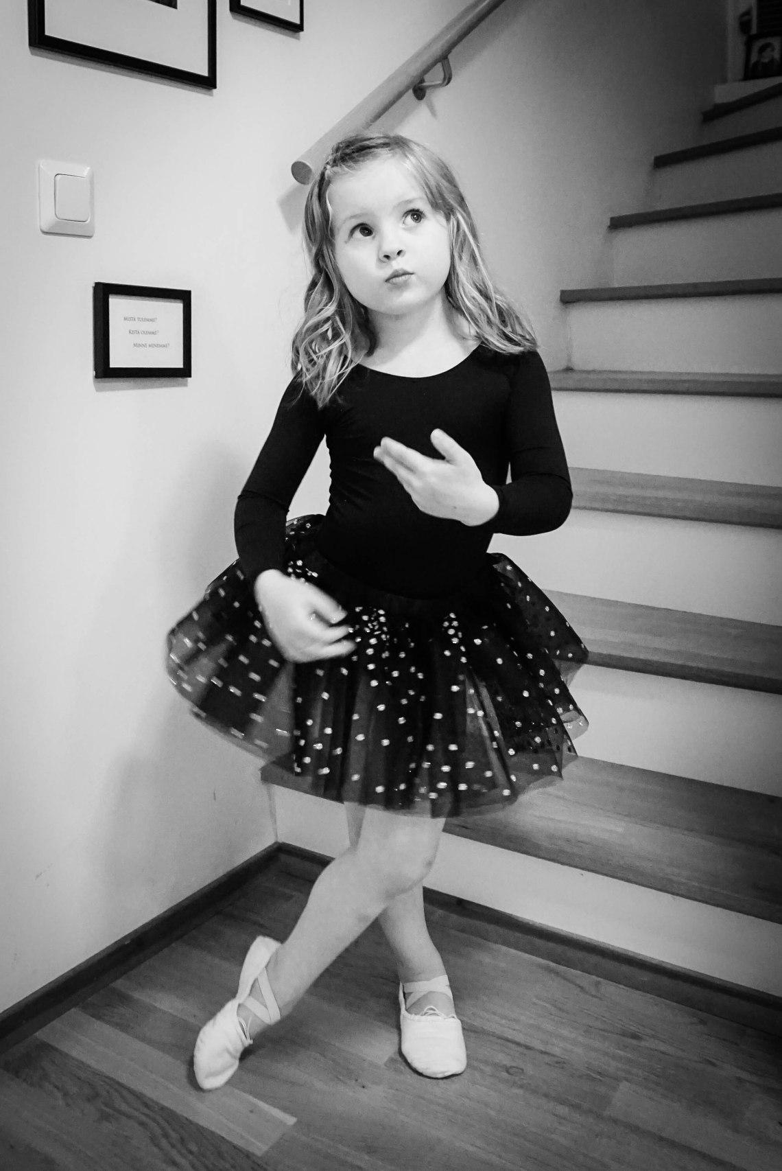 Black ballerina costume