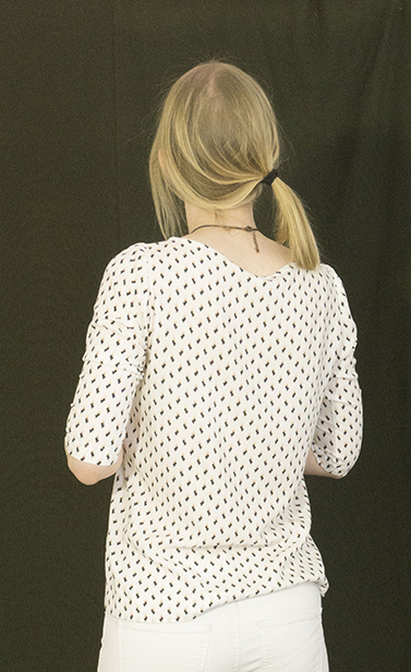 Cezembre blouse from the back.