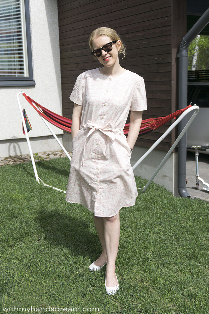 minimalistic-shirtdress-for-the-summer