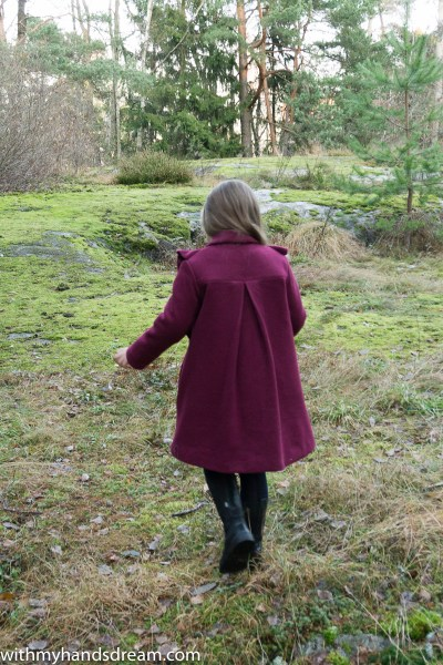 Suuri Käsityö 03-2013 12. ruffled wool coat from the back.