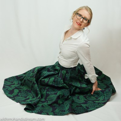 Burda young 6650 skirt with Marble Lake jacquard Boom Boom Blossom. In collaboration with myfabrics.co.uk.