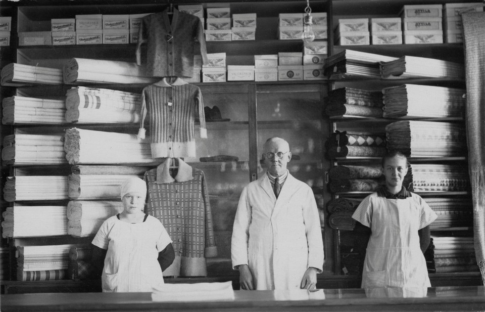 Osuuskauppa fabrics in 1920s.