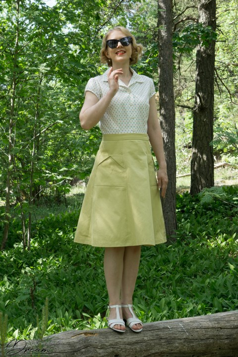 My vintage-inspired outfit: The Gertie blouse and the 1940s skirt.