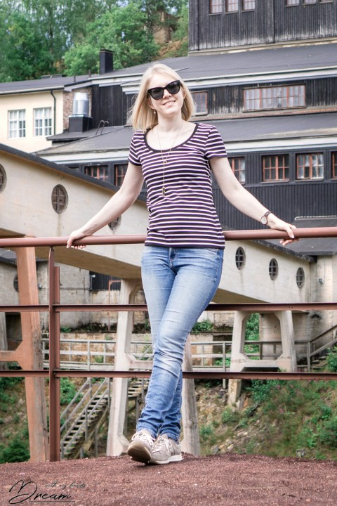 Me in front of the Old Mine wearing my new stripy teeshirt from M6886.