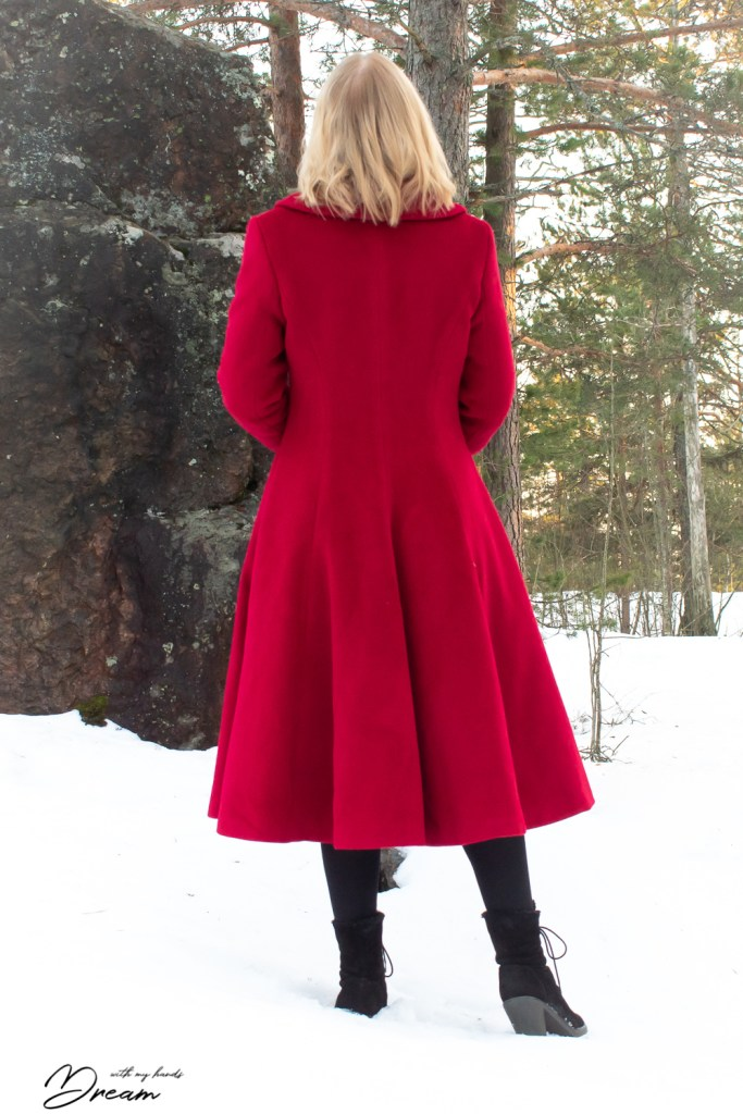 The V8346 coat from the back.