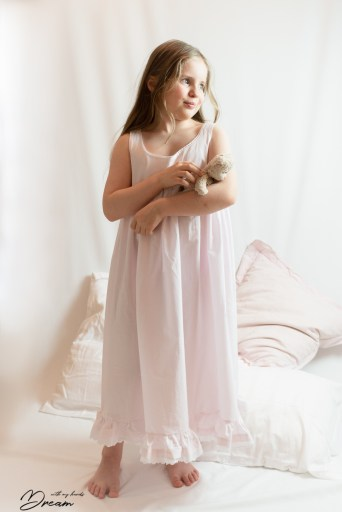 Hannah's nightgown.