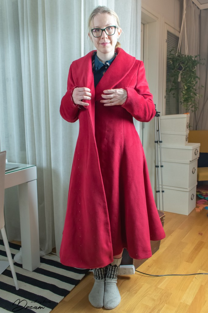 The drape problem with the coat fronts.