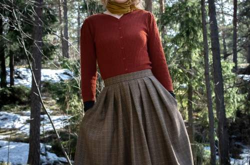 Lizzie skirt in tweed.