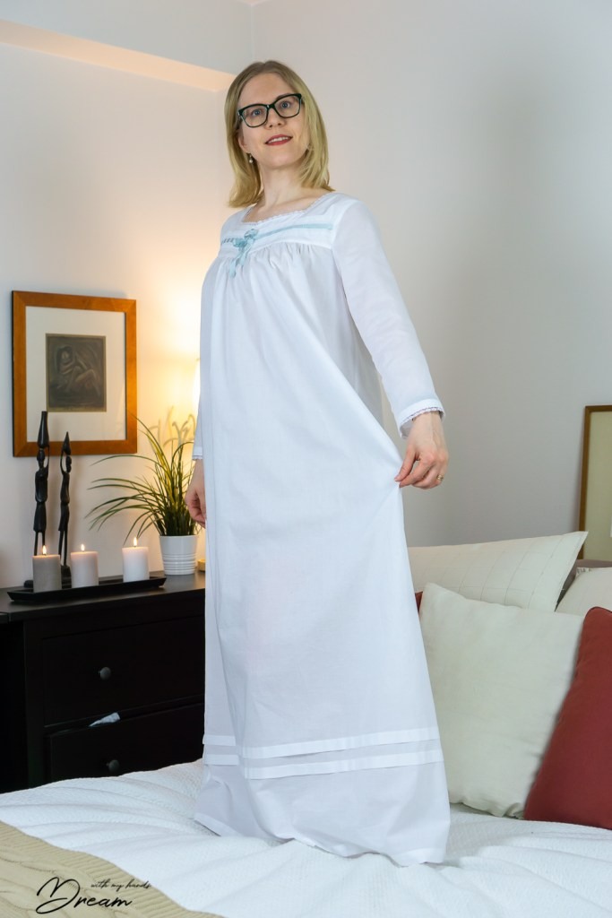 My Butterick B6838 nightgown, the side front view.
