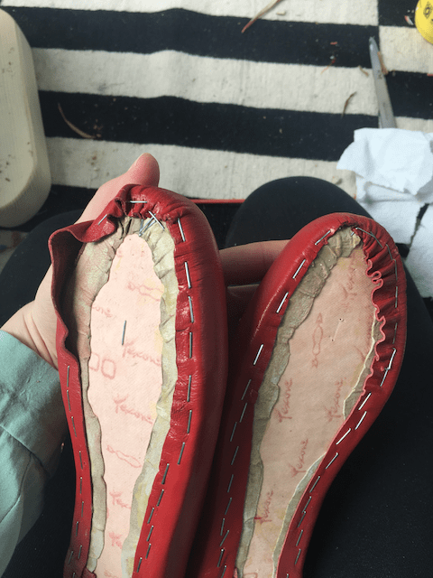 Shoemaking: Molding the toe.