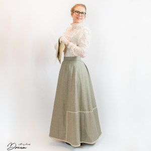 1902 Finnish walking skirt