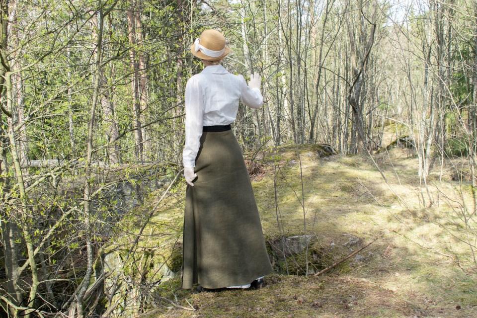 A back view of my WW1-era blouse.