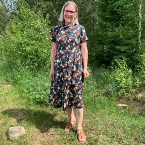 My mothers Saraste dress.