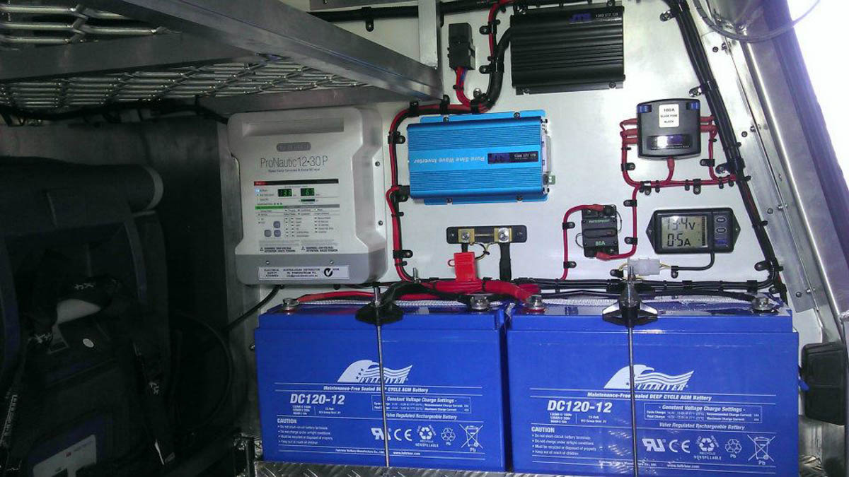 hight resolution of complete install with management system dual batteries and inverter