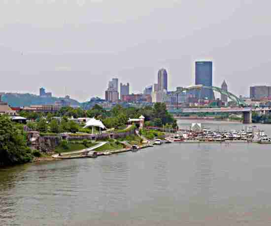 Pittsburgh-Skyline-from-Hot-Metal-Bridge-JoeBaur-1024x683