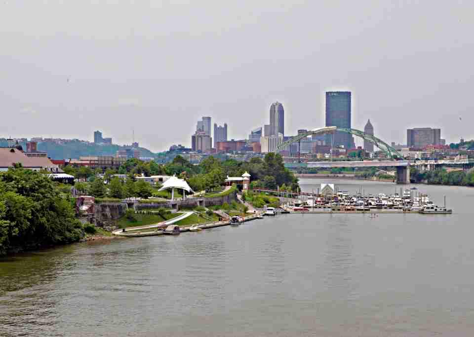 Pittsburgh-Skyline-from-Hot-Metal-Bridge-JoeBaur-1024x683