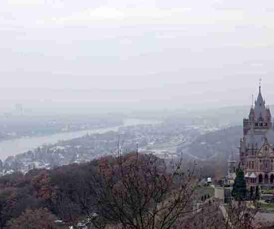 Drachen-Schloss-Castle-Siebengebirge-Germany