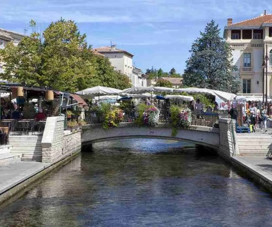 L'isle-sur-la-Sorgue River and Bridge