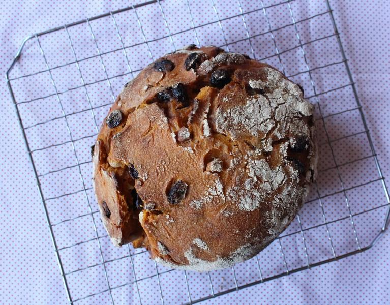 No-Knead, Whole-Wheat Carrot, Almond, Raisin Bread