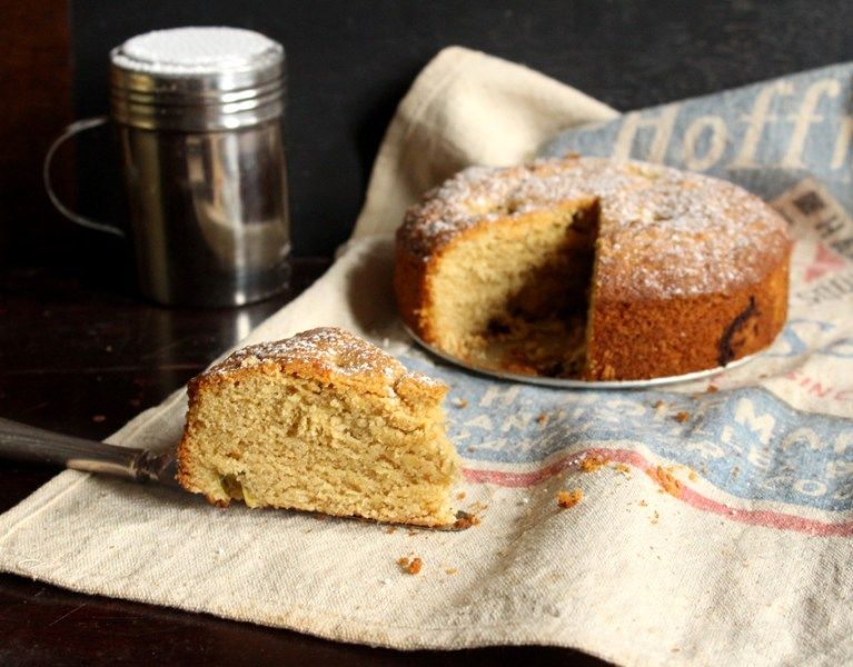 Almond & Rhubarb Cake (ie: Cake for Breakfast!)