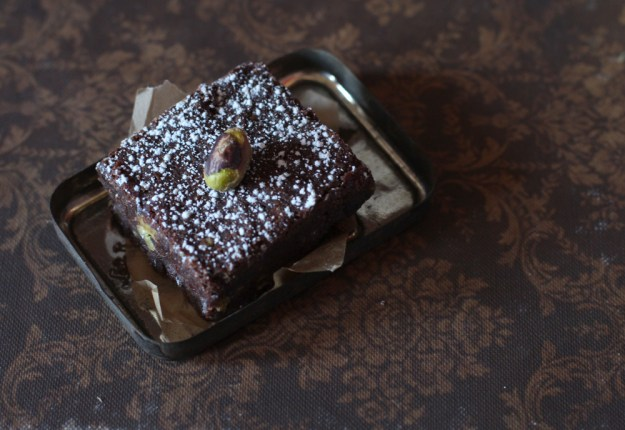 Tin Top with Brownie