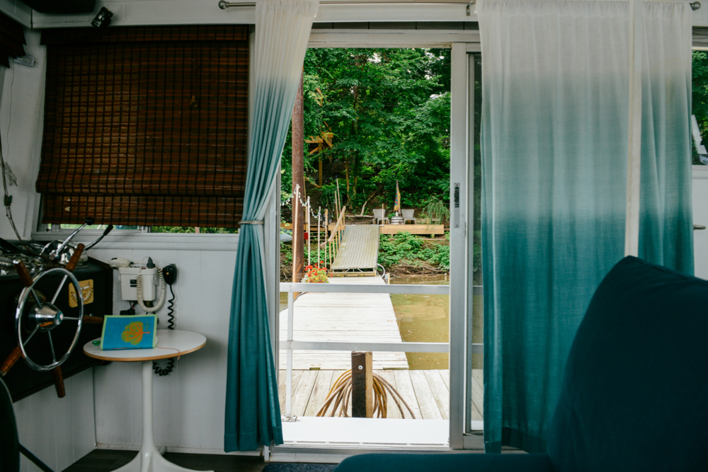 A Houseboat Staycation // www.WithTheGrains.com