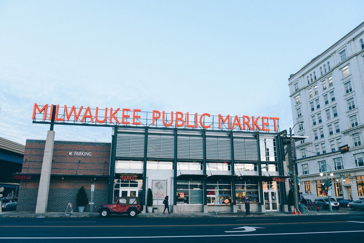 Westward Wanderings: Eats & Architecture in Milwaukee // www.WithTheGrains.com