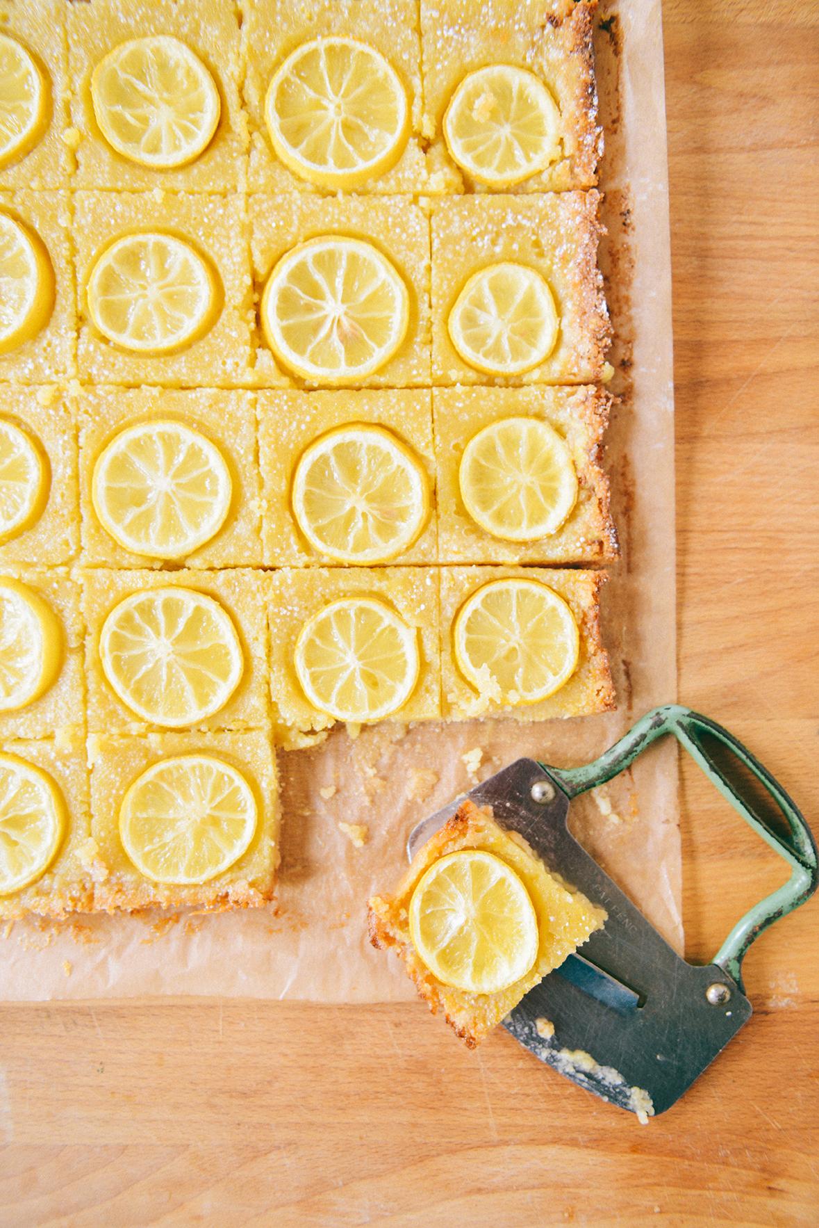 Gluten Free Lemon Bars // www.WithTheGrains.com