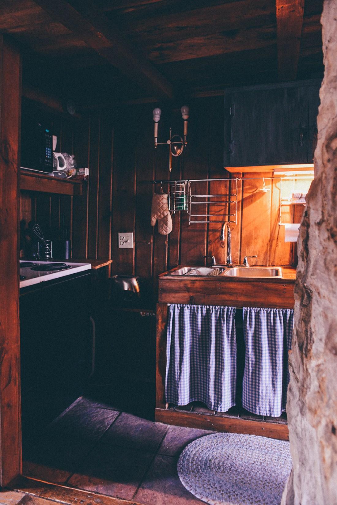 Beaverdam Cabin, Jennerstown, PA // www.WithTheGrains.com