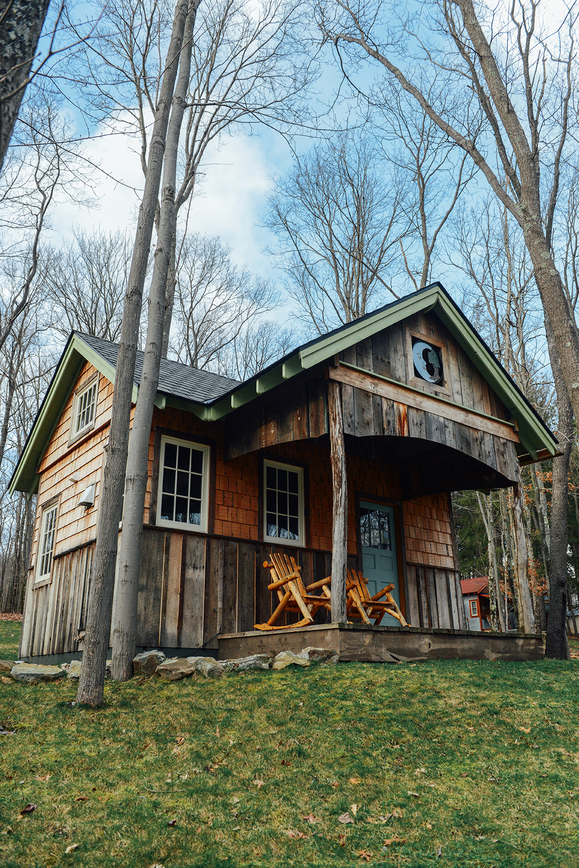 Blue Moon Rising: A Sustainable Getaway with Tiny Houses in Deep Creek, Maryland // www.WithTheGrains.com