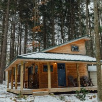 Blue Moon Rising: A Sustainable Getaway with Tiny Houses
