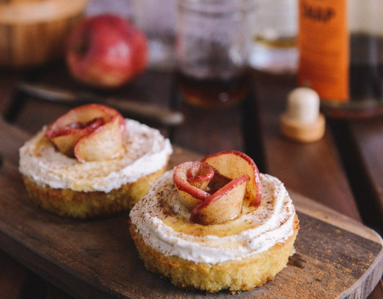 Apple Cake Combinations To Enjoy This Fall